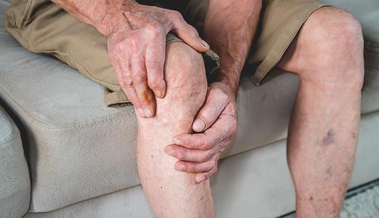 Dolore al ginocchio artrosi