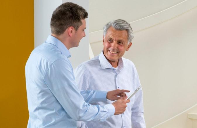 Il nostro consulente ti visiterà a casa senza obbligo di misurare le scale e di elaborare un'offerta di prezzo esatta per il tuo montascale.