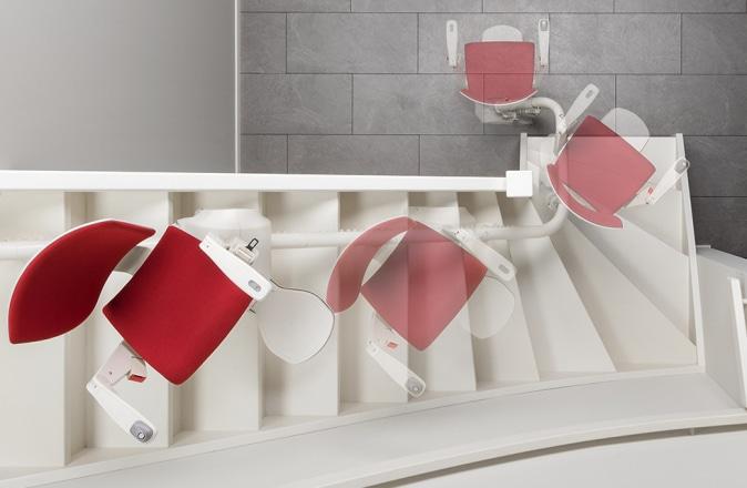 Otolift Modul-Air è un montascale adatto per una curva interna. Grazie al sedile girevole automatico, puoi sempre scendere in sicurezza.